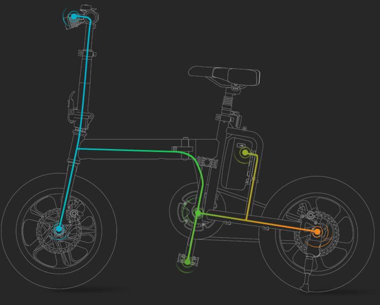 scooter elettrico con la sede per i bambini