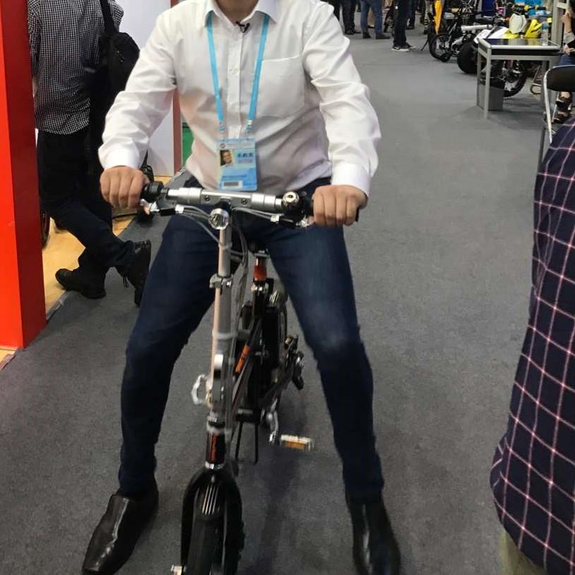 R5 elettrico assistere bici
