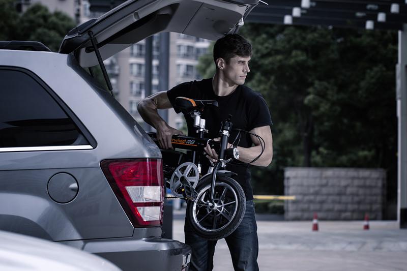 Airwheel R6 bicicletta elettrica