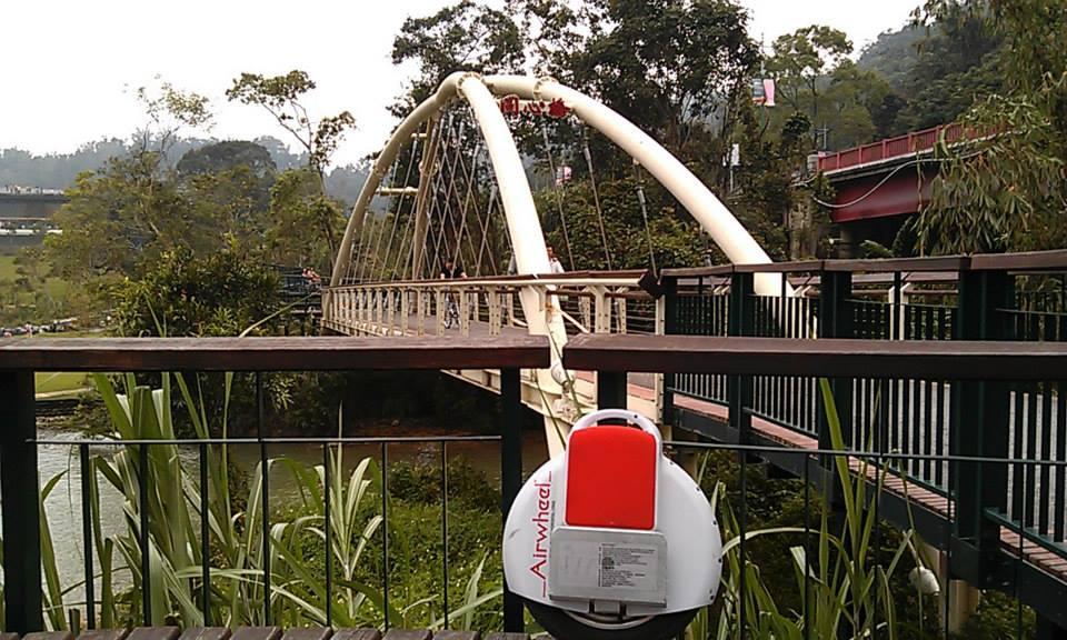 Airwheel monociclo elettrico intelligente X3 agisce come un tastemaker.